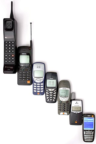 320px-Mobile_phone_evolution